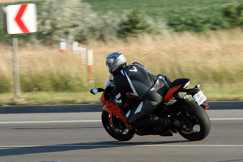 Test - Kawasaki ZX-10R Ninja: král mezi supersporty: - fotka 10