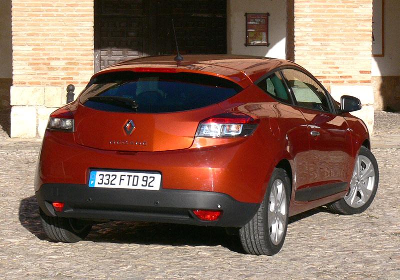 Za volantem: Renault Mégane Coupé: - fotka 50