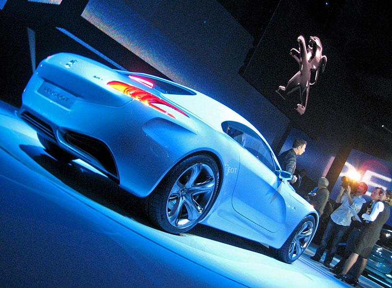 Koncept SR1: nová image Peugeotu přichází: - fotka 38