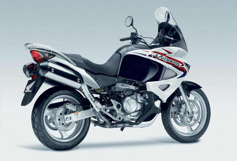 Intermot 2010 - Honda pouze v jiných barvách: - fotka 25