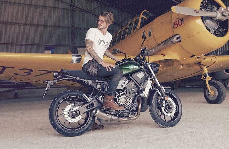 Yamaha XSR700: Rychlý potomek: - fotka 23