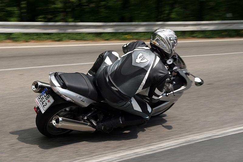 Test - Kawasaki ZZR1400: božský hypertourer: - fotka 20