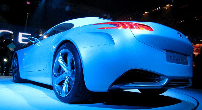 Koncept SR1: nová image Peugeotu přichází: - fotka 39