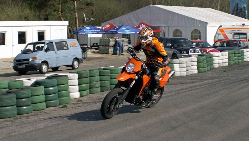KTM Festival 2010 - oranžový den pod Bezdězem: - fotka 43