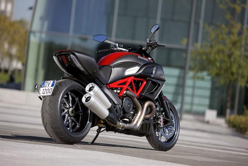 Oficiální představení Ducati Diavel: - fotka 35