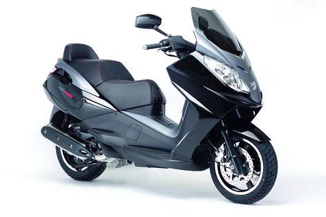 Motocykl roku 2008: vyhrajte Aprilii Pegaso: - fotka 4