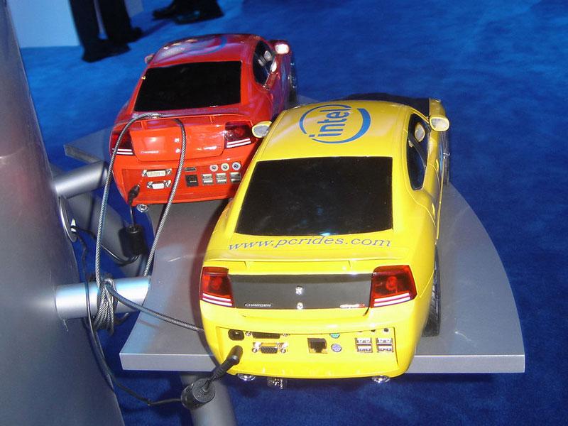 Dodge Charger SRT8: počítač pod kapotou: - fotka 10