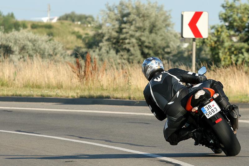 Test - Kawasaki ZX-10R Ninja: král mezi supersporty: - fotka 13