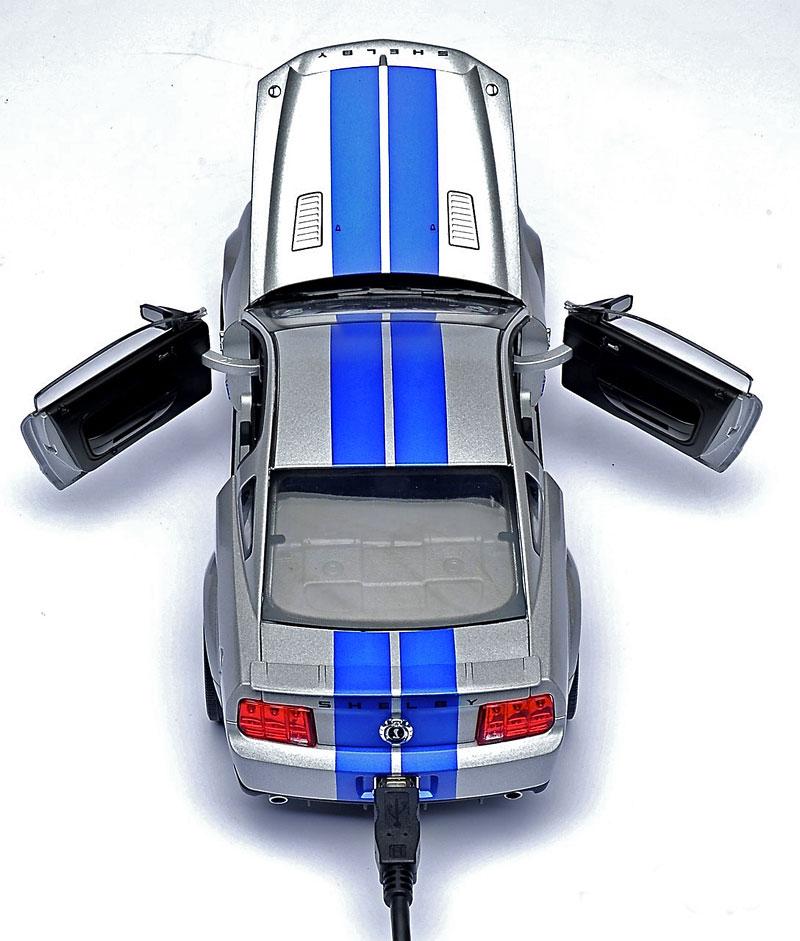 500GB hard disk ukrytý v Shelby GT500KR: - fotka 5