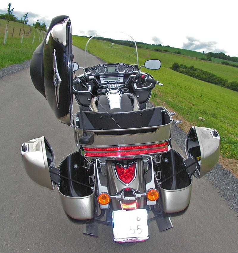 Test: Kawasaki VN1700 Voyager a srovnání s Harley-Davidson Electra Glide: - fotka 24