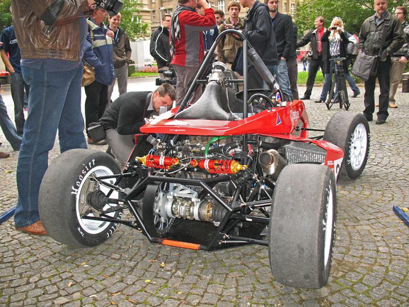 CTU CarTech FS.02: Studentská formule z pražského ČVUT: - fotka 22