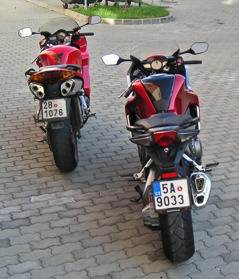 Dueltest - Honda VFR1200F vs. VFR800VTEC (generační srovnání): - fotka 26