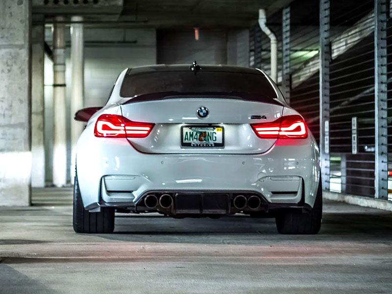 BMW M4 Coupé: Sněhobílý dravec s extrémním výkonem: - fotka 17