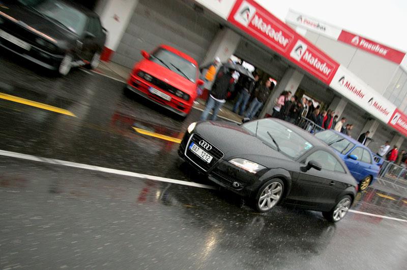 Přijďte na největší setkání sportovních aut u nás: - fotka 49