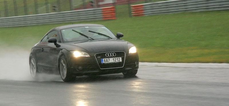 Přijďte na největší setkání sportovních aut u nás: - fotka 51