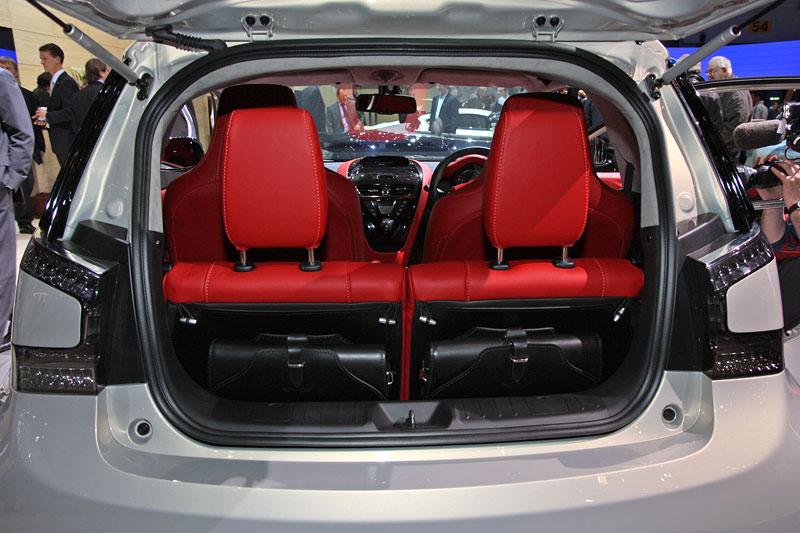 Aston Martin Cygnet má přispět k radikálnímu zvýšení prodejních čísel: - fotka 34