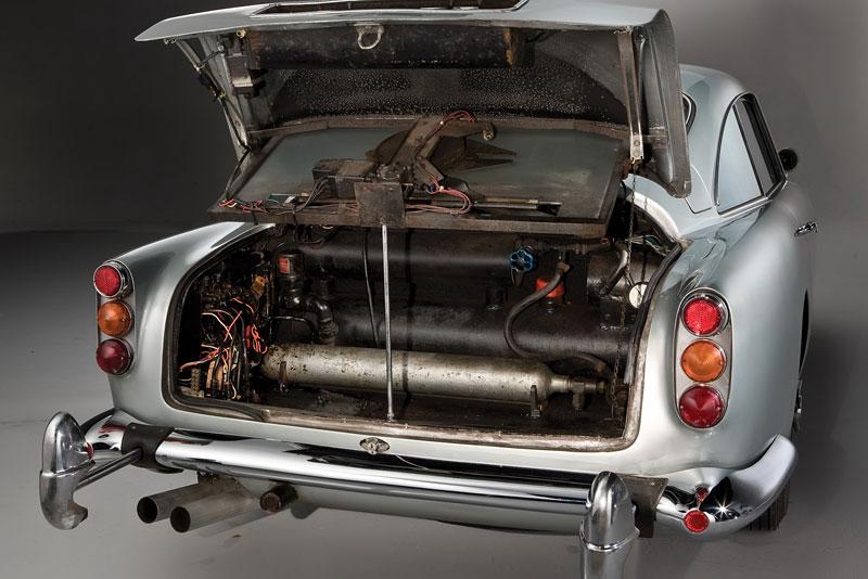 Aston Martin DB5 po Jamesi Bondovi prodán: - fotka 29
