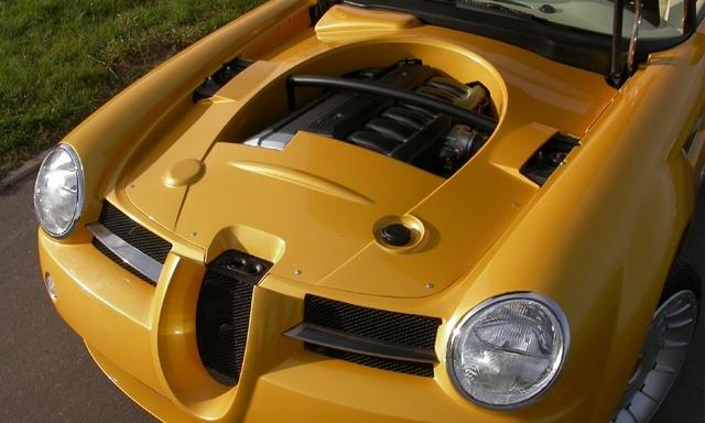 Cardi Body II: dvoumístný roadster s technikou BMW: - fotka 13