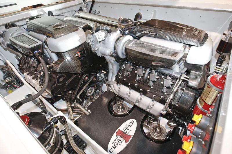 Mercedes-Benz SLS AMG inspirací pro rychlý motorový člun: - fotka 5