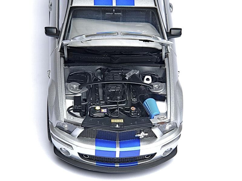 500GB hard disk ukrytý v Shelby GT500KR: - fotka 6