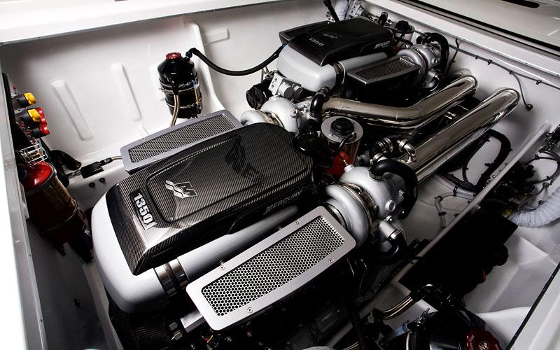 Mercedes-Benz SLS AMG inspirací pro motorový člun Cigarette Racing: - fotka 17