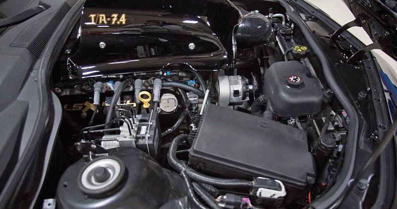 Firebird žil i poté, co skončila značka Pontiac. Jeden moderní Trans Am je právě na prodej: - fotka 13