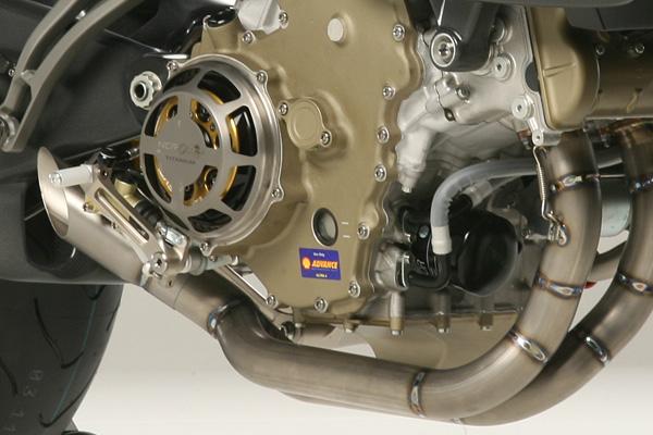 NCR M16: Ducati Desmosedici RR po zásahu dvorního ladiče: - fotka 10