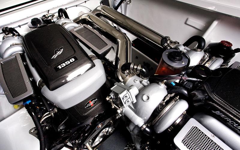 Mercedes-Benz SLS AMG inspirací pro motorový člun Cigarette Racing: - fotka 18