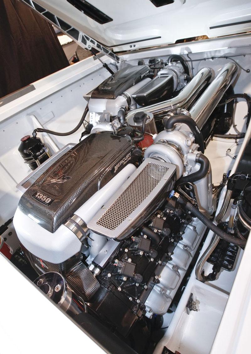 Mercedes-Benz SLS AMG inspirací pro rychlý motorový člun: - fotka 6
