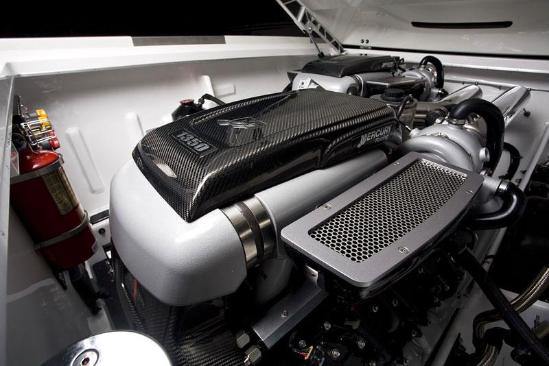 Mercedes-Benz SLS AMG inspirací pro motorový člun Cigarette Racing: - fotka 20