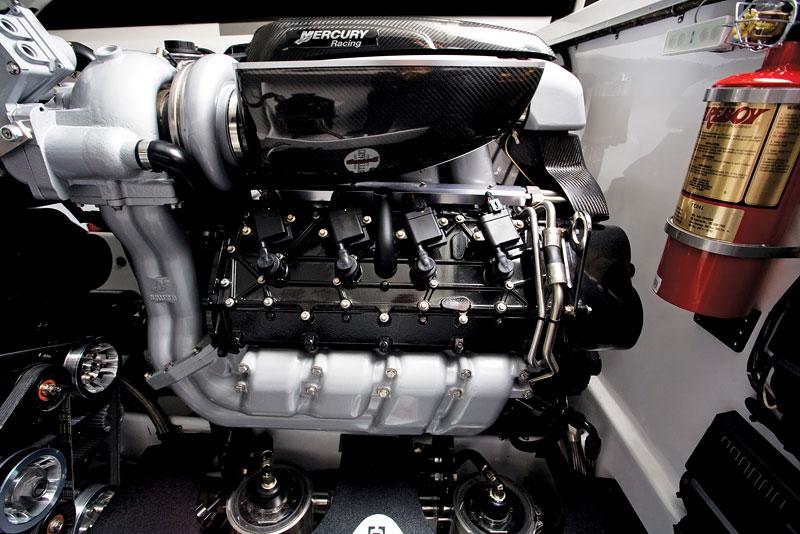 Mercedes-Benz SLS AMG inspirací pro motorový člun Cigarette Racing: - fotka 21