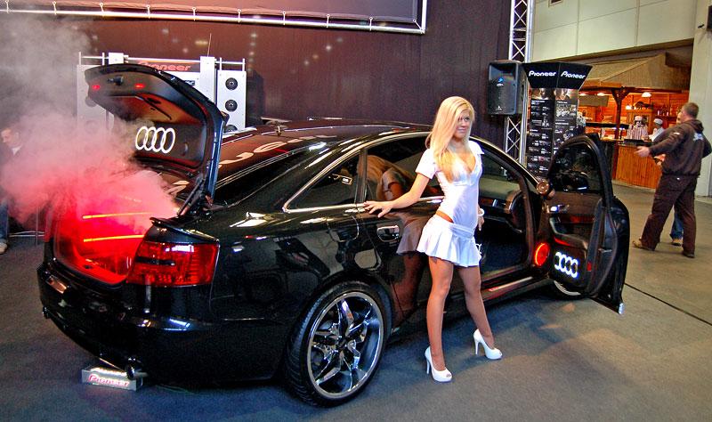 """Reportáž Tuning Show Budapešť 2012: Od """"žigula"""" po Koenigsegg: - fotka 166"""
