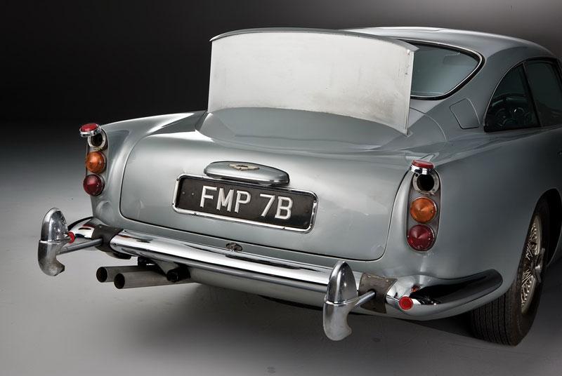 Aston Martin DB5 po Jamesi Bondovi míří do aukce: - fotka 28
