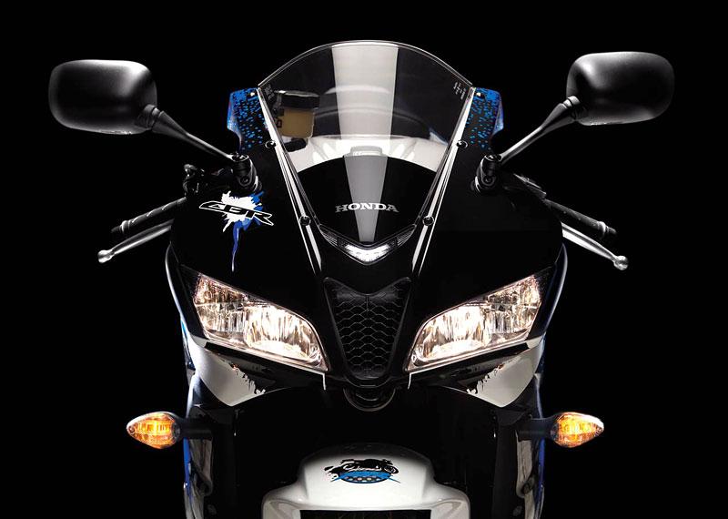 Honda 2009 - CBR600RR a CBR1000RR s E-ABS: - fotka 21