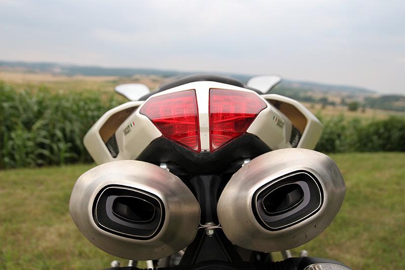 Top 10 roku 2009: Motorky: - fotka 19