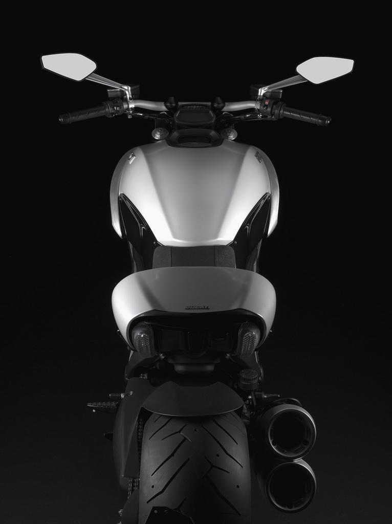 Oficiální představení Ducati Diavel: - fotka 38