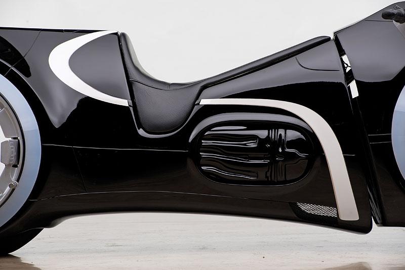 Motorka ze sci-fi Tron: Legacy prodána za 1,9 milionu korun: - fotka 5
