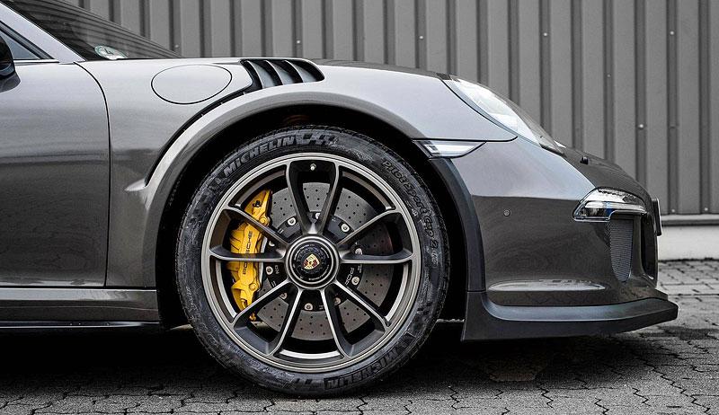 Porsche 911 Targa 4 GTS může být od 911 GT3 RS téměř k nerozeznání: - fotka 9