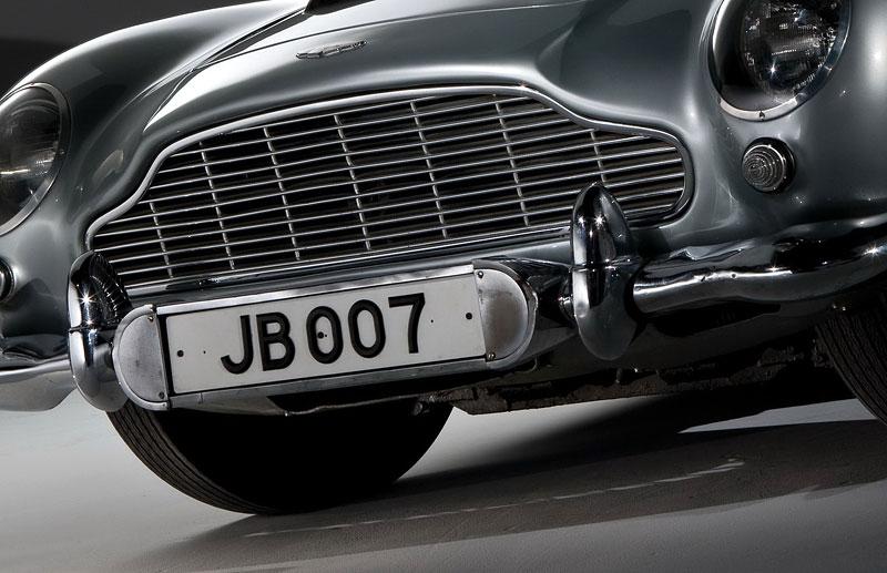 Aston Martin DB5 po Jamesi Bondovi prodán: - fotka 35