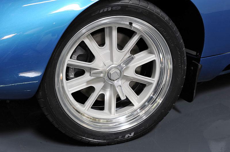 Shelby Cobra Daytona Coupe MKII: modernizovaná klasika: - fotka 6