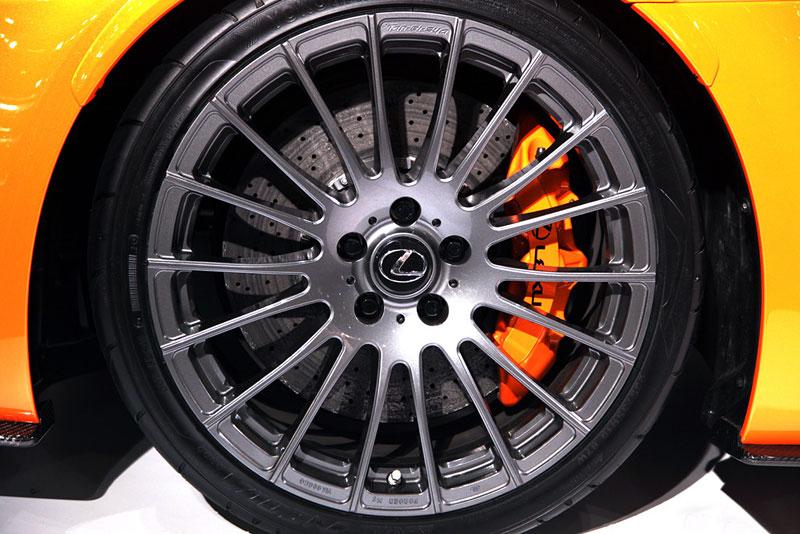Lexus: IS F jako odlehčený speciál: - fotka 17