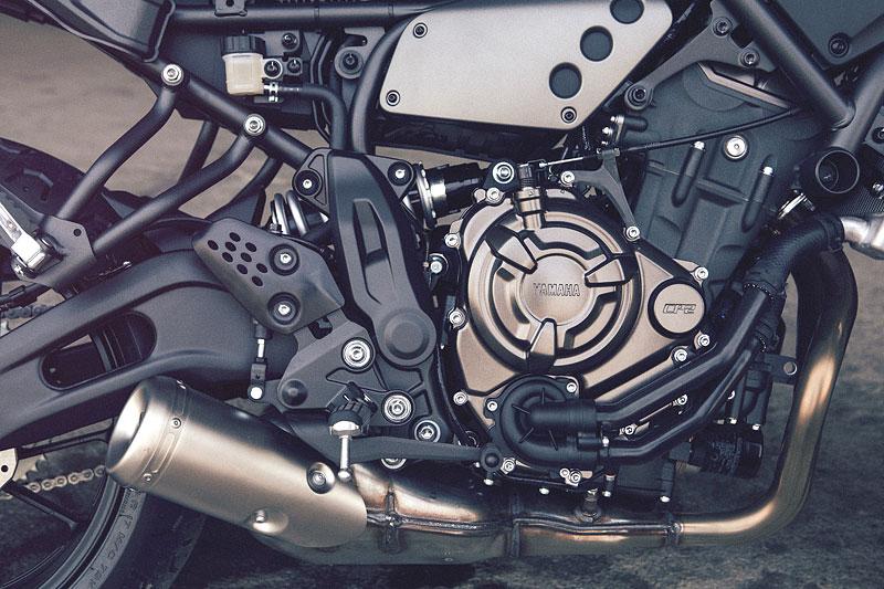 Yamaha XSR700: Rychlý potomek: - fotka 27
