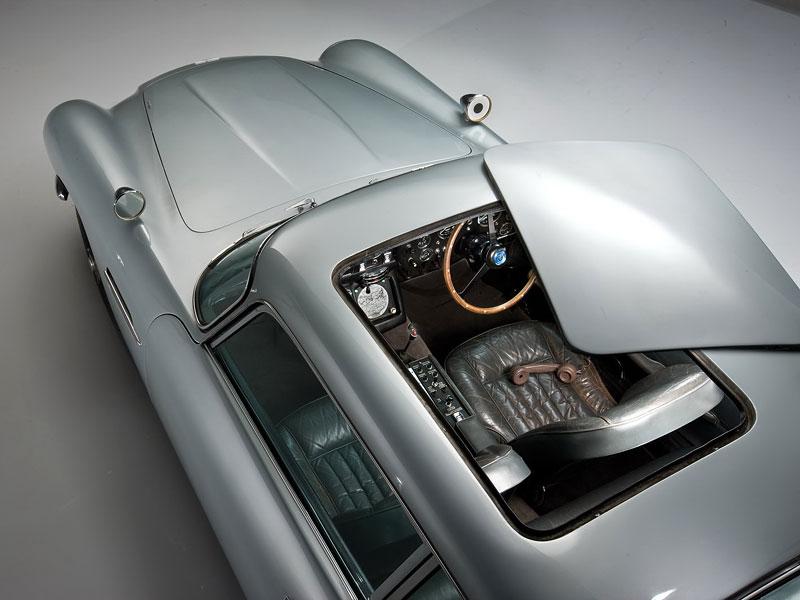 Aston Martin DB5 po Jamesi Bondovi prodán: - fotka 36
