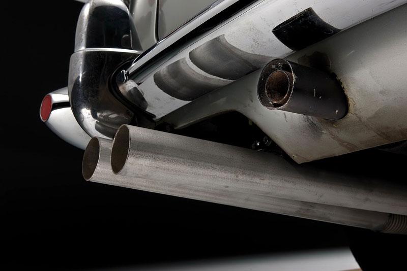 Aston Martin DB5 po Jamesi Bondovi míří do aukce: - fotka 33