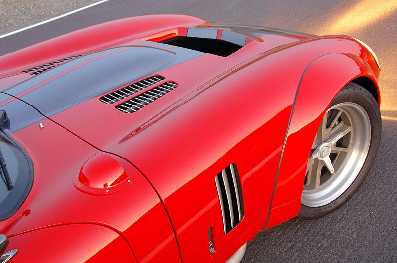 Shelby Daytona Coupe Le Mans Edition: replika závodní hvězdy: - fotka 28