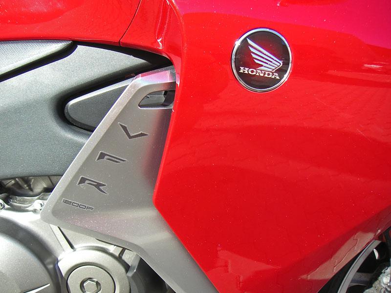 Dueltest - Honda VFR1200F vs. VFR800VTEC (generační srovnání): - fotka 29