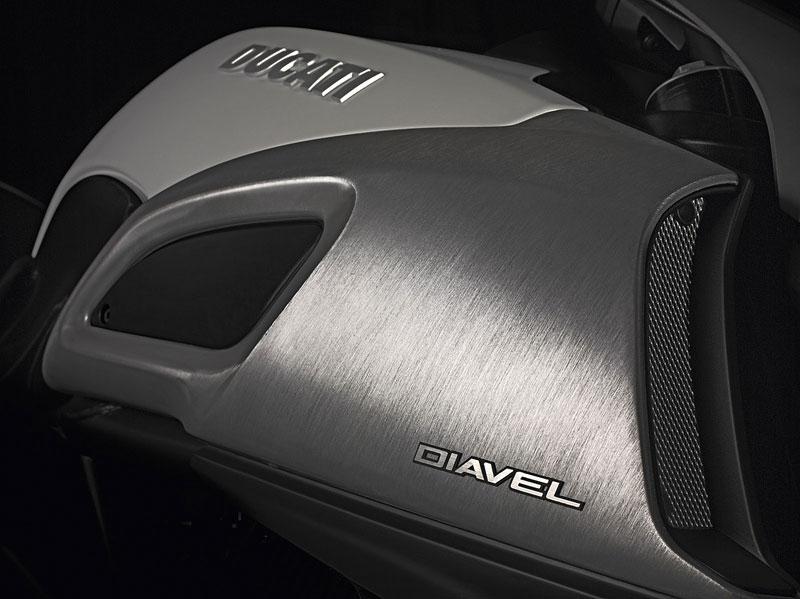 Oficiální představení Ducati Diavel: - fotka 40