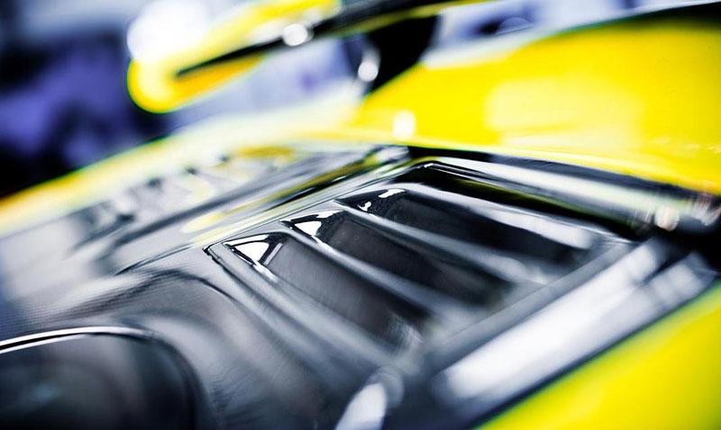 Arash AF8: Britský supersport se 7,0 V8 (410 kW): - fotka 25