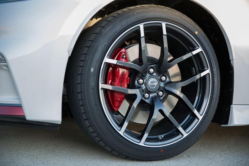 I ty, Nismo? Nissan 370Z bude z audiosystému pouštět falešný zvuk motoru: - fotka 15