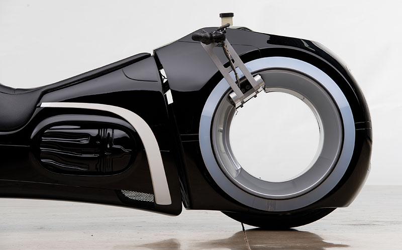 Motorka ze sci-fi Tron: Legacy prodána za 1,9 milionu korun: - fotka 7